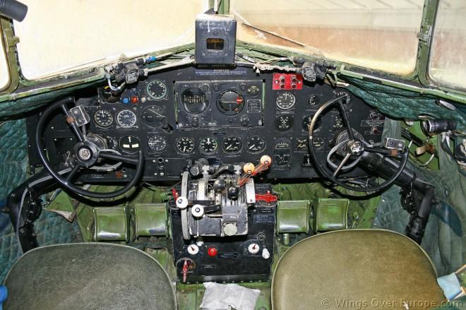 DC-3 Cockpit (8)_01